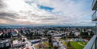 """Photo 11: 2301 4900 LENNOX Lane in Burnaby: Metrotown Condo for sale in """"THE PARK"""" (Burnaby South)  : MLS®# R2432406"""