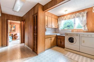 Photo 15: 1205 EASTVIEW Road in North Vancouver: Westlynn House for sale : MLS®# R2409324