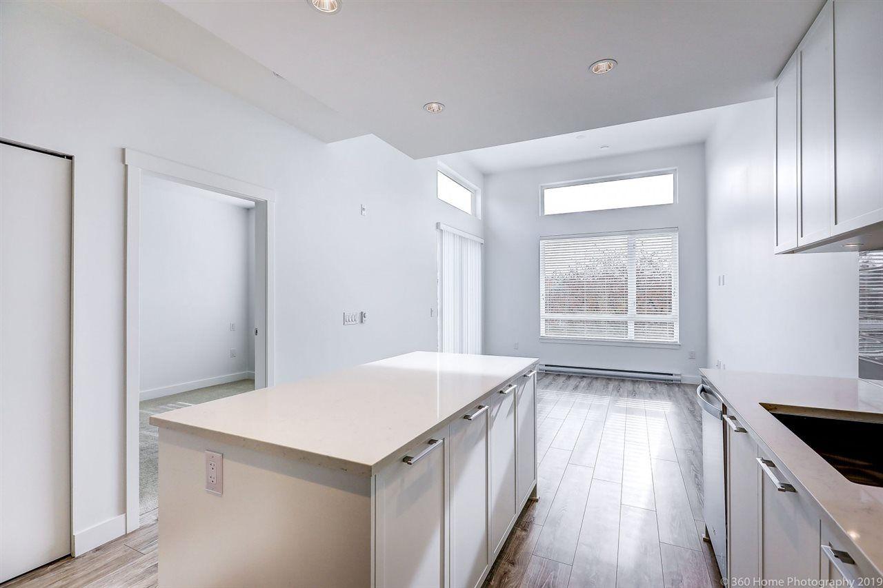 Photo 11: Photos: 412 2382 ATKINS Avenue in Port Coquitlam: Birchland Manor Condo for sale : MLS®# R2418574