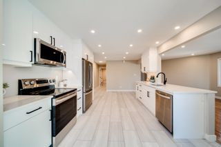 Photo 1: 5010 147 Street in Edmonton: Zone 14 Townhouse for sale : MLS®# E4266263