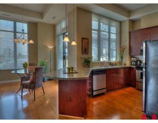 """Photo 4: 701 1580 MARTIN Street in White_Rock: White Rock Condo for sale in """"Sussex House"""" (South Surrey White Rock)  : MLS®# F2812010"""