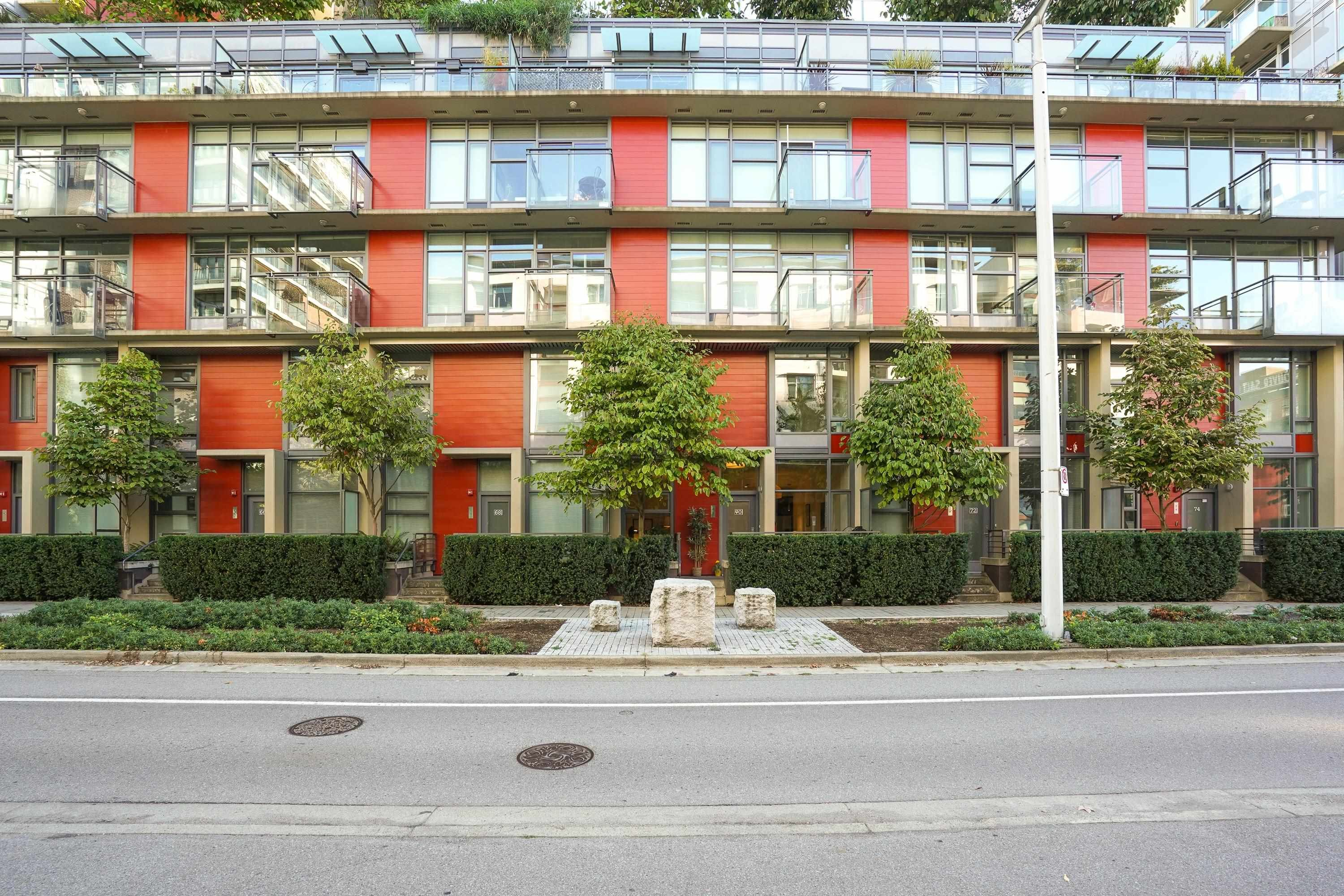 """Main Photo: 70 W 1ST Avenue in Vancouver: False Creek Townhouse for sale in """"THE ONE"""" (Vancouver West)  : MLS®# R2618559"""