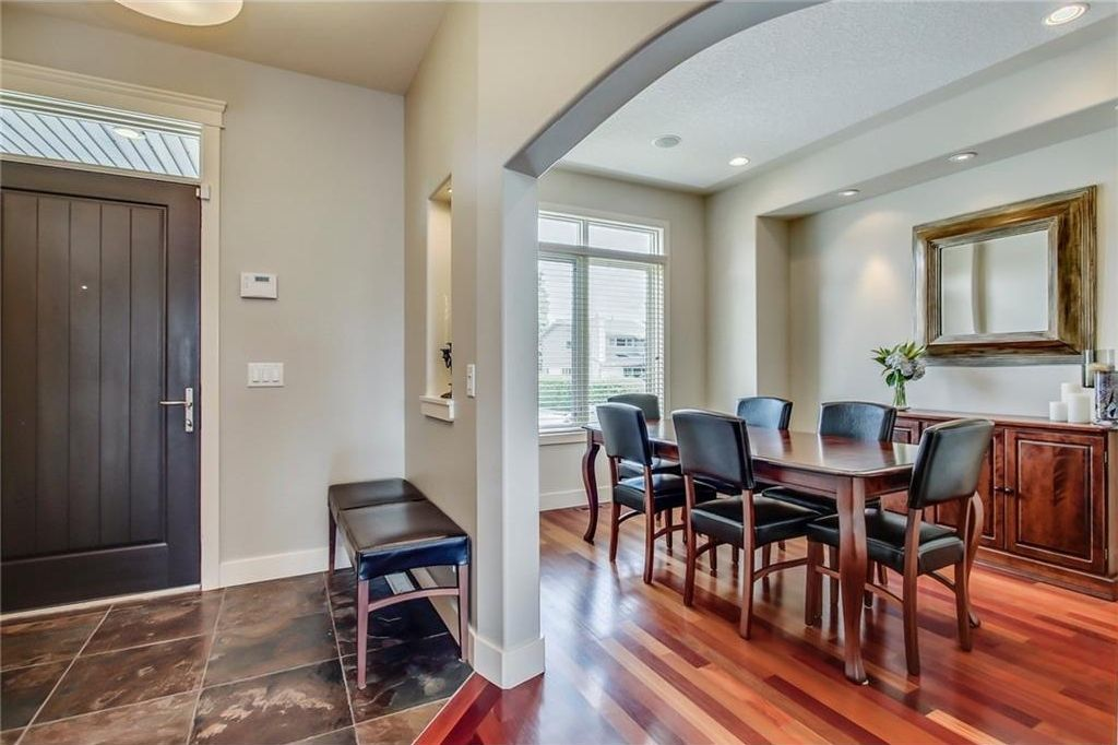 Photo 6: Photos: 3909 19 Street SW in Calgary: Altadore House for sale : MLS®# C4122880