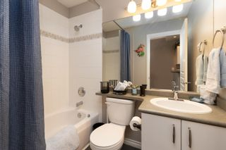 """Photo 13: 418 20200 56 Avenue in Langley: Langley City Condo for sale in """"The Bentley"""" : MLS®# R2612612"""