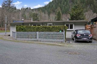 """Photo 1: 34 1650 COLUMBIA VALLEY Road: Columbia Valley Land for sale in """"LEISURE VALLEY"""" (Cultus Lake)  : MLS®# R2542737"""