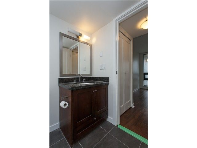 """Photo 12: Photos: 2006 1 RENAISSANCE Square in New Westminster: Quay Condo for sale in """"THE Q"""" : MLS®# V1043023"""