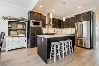 """Photo 5: 19 7138 210 Street in Langley: Willoughby Heights Townhouse for sale in """"Prestwick"""" : MLS®# R2411962"""