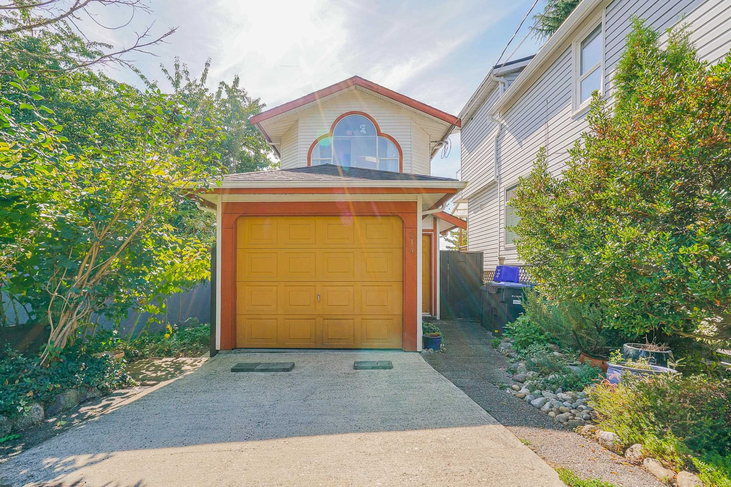 Main Photo: 214 MOWAT Street in New Westminster: Uptown NW House for sale : MLS®# R2615823