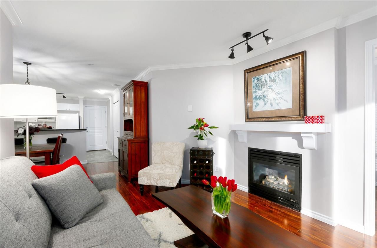 """Photo 4: Photos: 162 1100 E 29TH Street in North Vancouver: Lynn Valley Condo for sale in """"HIGHGATE"""" : MLS®# R2426893"""