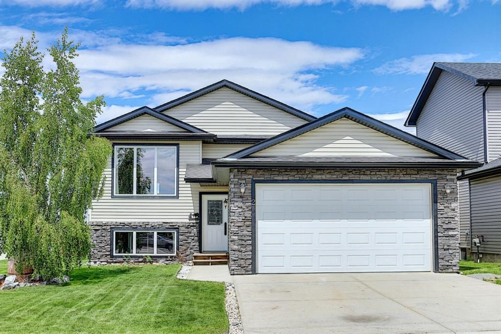 Main Photo: 2 Dallaire Drive: Carstairs Detached for sale : MLS®# A1121701