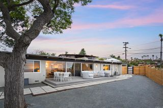 Photo 3: House for sale : 3 bedrooms : 1050 La Jolla Rancho Rd in La Jolla