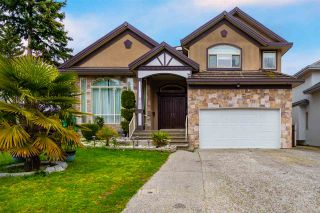 Photo 1: 6222 126B Street in Surrey: Panorama Ridge House for sale : MLS®# R2560980