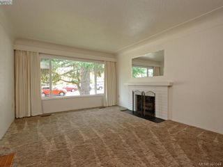 Photo 2: 1290 Camrose Cres in VICTORIA: SE Cedar Hill House for sale (Saanich East)  : MLS®# 794232