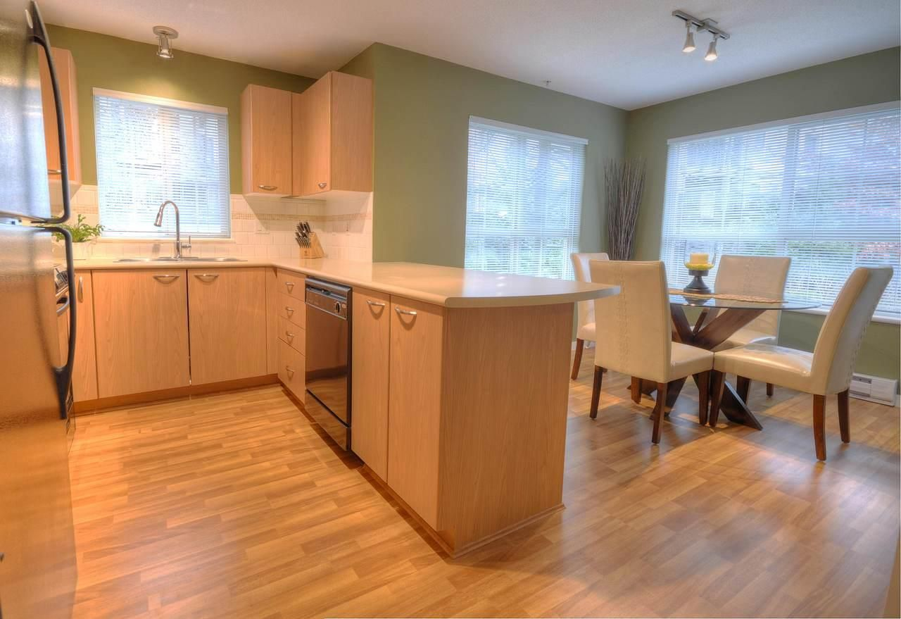 """Photo 3: Photos: 309 2968 SILVER SPRINGS Boulevard in Coquitlam: Westwood Plateau Condo for sale in """"TAMARISK"""" : MLS®# R2237139"""