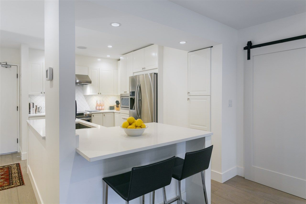 """Photo 11: Photos: 101 1750 W 10TH Avenue in Vancouver: Fairview VW Condo for sale in """"Regency House"""" (Vancouver West)  : MLS®# R2278218"""
