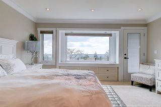 Photo 16: 541 HERMOSA Avenue in North Vancouver: Upper Delbrook House for sale : MLS®# R2560386