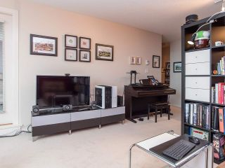 """Photo 4: 2410 3663 CROWLEY Drive in Vancouver: Collingwood VE Condo for sale in """"LATITUTDE"""" (Vancouver East)  : MLS®# R2140003"""