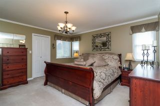 Photo 8: 6459 184 Street in Surrey: Cloverdale BC House for sale (Cloverdale)  : MLS®# R2106667
