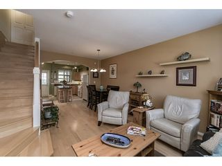 """Photo 9: 242 600 PARK Crescent in New Westminster: GlenBrooke North Townhouse for sale in """"THE ROYCROFT"""" : MLS®# R2158837"""