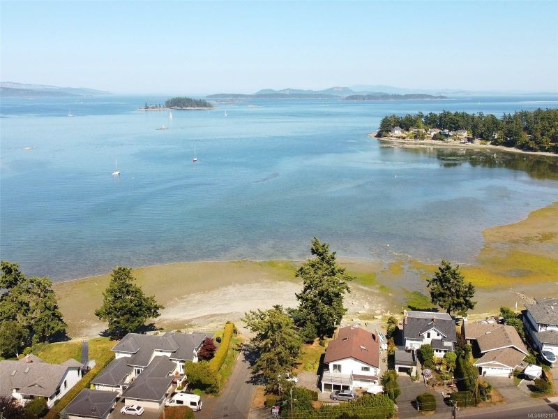 FEATURED LISTING: 10328 Resthaven Dr