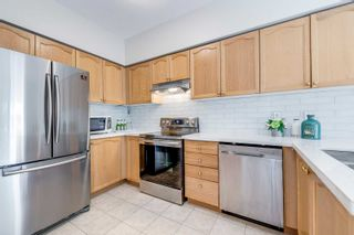 Photo 11: 249 23 Observatory Lane in Richmond Hill: Observatory Condo for sale : MLS®# N4886602