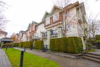 """Photo 2: 3234 E 54TH Avenue in Vancouver: Champlain Heights Townhouse for sale in """"CHAMPLAIN VILLAGE"""" (Vancouver East)  : MLS®# R2564180"""