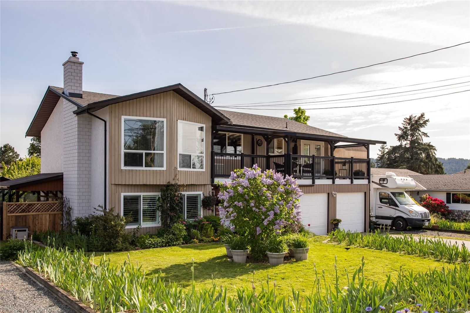 Main Photo: 1073 Verdier Ave in : CS Brentwood Bay House for sale (Central Saanich)  : MLS®# 875822