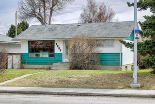 Photo 2: 4743 26 Avenue SW in Calgary: Glenbrook Detached for sale : MLS®# A1110145