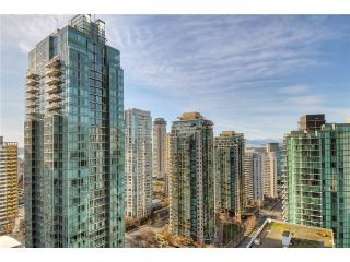"""Photo 9: 2406 1239 W GEORGIA Street in Vancouver: Coal Harbour Condo for sale in """"VENUS"""" (Vancouver West)  : MLS®# V929184"""
