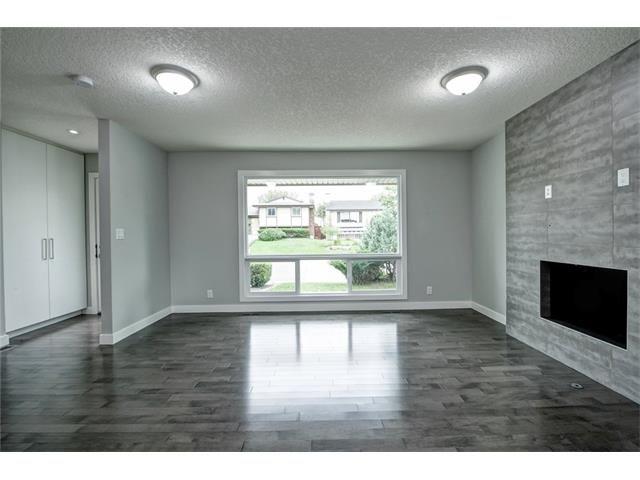 Photo 10: Photos: 448 CEDARPARK Drive SW in Calgary: Cedarbrae House for sale : MLS®# C4084629