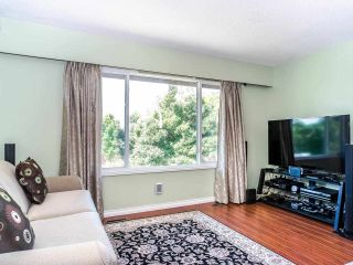 Photo 2: 6294 KIRKLAND Street in Vancouver: Killarney VE House for sale (Vancouver East)  : MLS®# R2488001