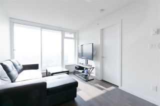 """Photo 3: 2901 5515 BOUNDARY Road in Vancouver: Collingwood VE Condo for sale in """"WALL CENTRE CENTRAL PARK"""" (Vancouver East)  : MLS®# R2293643"""