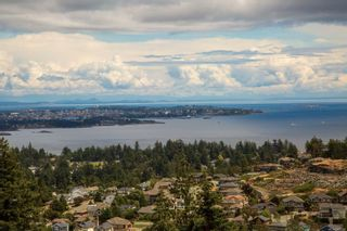 Photo 2: 3470 Vantage Pt in : Co Triangle House for sale (Colwood)  : MLS®# 869159