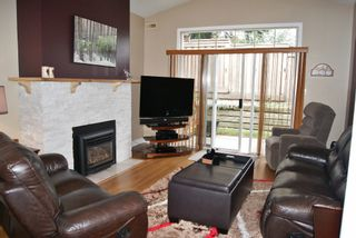 "Photo 2: 18 16325 82ND Avenue in Surrey: Fleetwood Tynehead Townhouse for sale in ""HAMPTON WOODS"" : MLS®# F1424509"