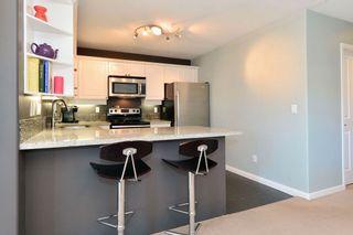 Photo 8: 401 15941 Marine Drive: White Rock Condo for sale (South Surrey White Rock)  : MLS®# R2048515
