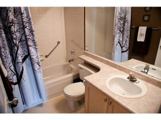 "Photo 8: 304 19121 FORD Road in Pitt Meadows: Central Meadows Condo for sale in ""EDGEFORD"" : MLS®# V1007728"