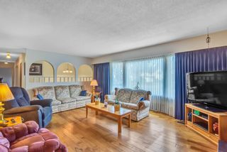 """Photo 10: 7444 BARMSTON Place in Delta: Nordel House for sale in """"Royal York"""" (N. Delta)  : MLS®# R2542398"""