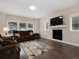 Photo 3: 2374 Lund Rd in : VR Six Mile House for sale (View Royal)  : MLS®# 870571