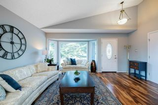 Photo 6: 88 Strathlorne Crescent SW in Calgary: Strathcona Park Detached for sale : MLS®# A1097538