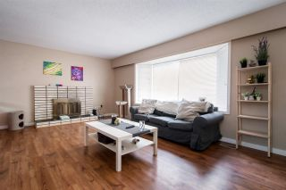 Photo 3: 21806 DOVER Road in Maple Ridge: West Central House for sale : MLS®# R2499960