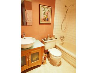 """Photo 13: 106 131 W 4TH Street in North Vancouver: Lower Lonsdale Condo for sale in """"NOTTINGHAM PLACE"""" : MLS®# V1069203"""