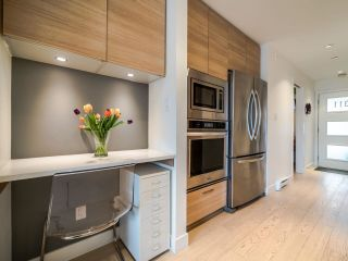 "Photo 13: 311 3456 COMMERCIAL Street in Vancouver: Victoria VE Condo for sale in ""Mercer"" (Vancouver East)  : MLS®# R2558325"