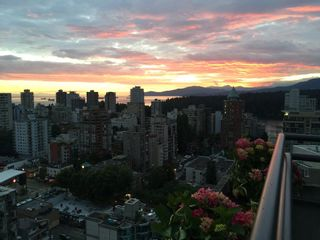 """Photo 15: 2506 1723 ALBERNI Street in Vancouver: West End VW Condo for sale in """"THE PARK"""" (Vancouver West)  : MLS®# R2106181"""