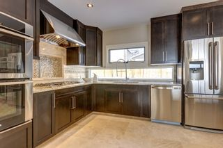Photo 11: 31 HIGHWOOD Place NW in Calgary: Highwood Residential Detached Single Family for sale : MLS®# C3639703