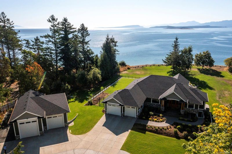 FEATURED LISTING: 955 Balmoral Rd