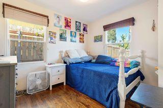 Photo 10: LA MESA House for sale : 3 bedrooms : 8415 Sunrise
