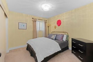 """Photo 27: 843 PARKER Street: White Rock House for sale in """"East Beach"""" (South Surrey White Rock)  : MLS®# R2590791"""