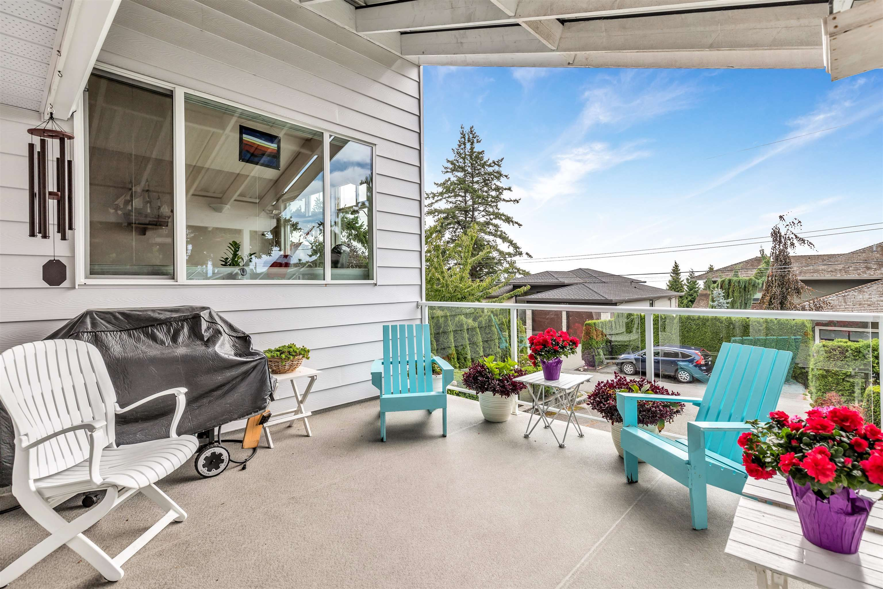 """Main Photo: 13048 MARINE Drive in Surrey: Crescent Bch Ocean Pk. House for sale in """"OCEAN PARK"""" (South Surrey White Rock)  : MLS®# R2616600"""