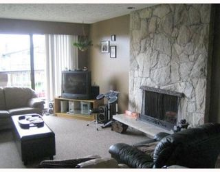 Photo 3: 4215 FRANCES Street in Burnaby: Willingdon Heights House for sale (Burnaby North)  : MLS®# V794532