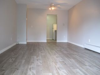 """Photo 3: 164 200 WESTHILL Place in Port Moody: College Park PM Condo for sale in """"WESTHILL"""" : MLS®# R2205815"""